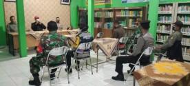 Lurah dan Forkompinka Pakualaman Edukasi PPKM Darurat di Wilayah Gunungketur